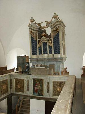 Orgel Bataapati. De frontpijpen zijn sinds 1917 niet vervangen. orgel onbespeelbaar. Veel houtworm.