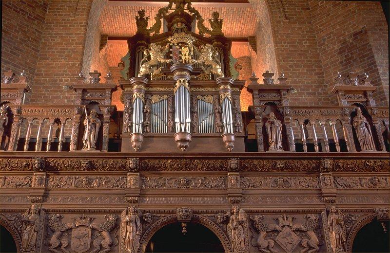 De grenzen te buiten. Orgels, hun makers en behuizingen bezien vanuit Boxmeers perspectief
