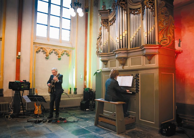 Jazz Guitar meets Church Organ
