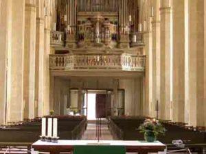Organ building and the 'Orgelbewegung' in the German Democratic Republic by Markus Voigt