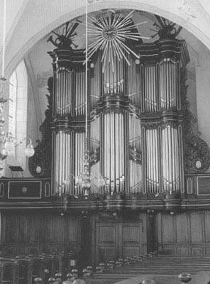 The significance of the organ building firm Van Oeckelen according to HET ORGEL by Peter van Dijk