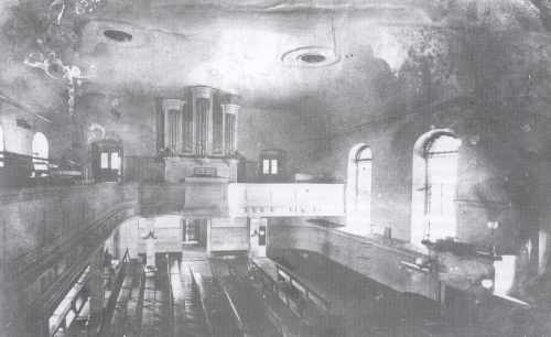 The oldest known photo of the organ in Salem ca. 1860