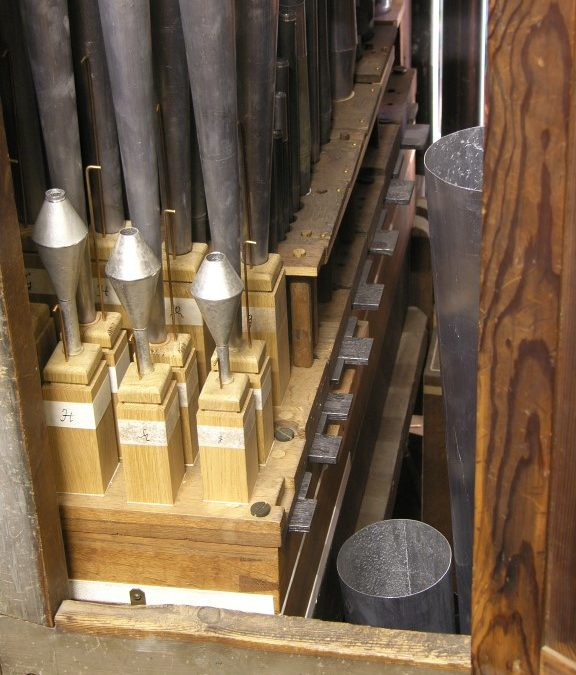 The Hinsz organ in the Grote Kerk in Harlingen restored by Rogér van Dijk & Henk de Vries