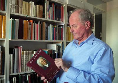 'Vanuit het vak moet je ook kunnen zeggen wat goed is en wat niet'. Interview met Jan R. Luth