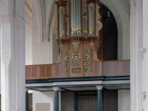 The work of the organ makers Brammertz and Gilman in the Netherlands and how their instruments were used.  Part2 : technique & style, extant instruments, use of the organs