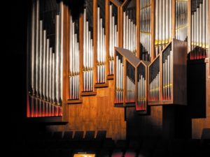 Organ in the middle of town.  A history of the Doelen organ in Rotterdam, 1968-2018.  Part 2